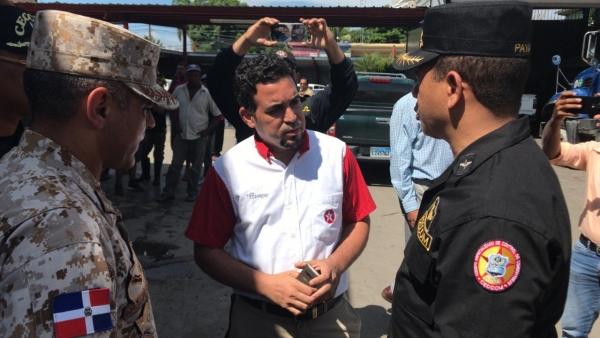 Autoridades militares realizan reunión con comerciantes de la zona fronteriza